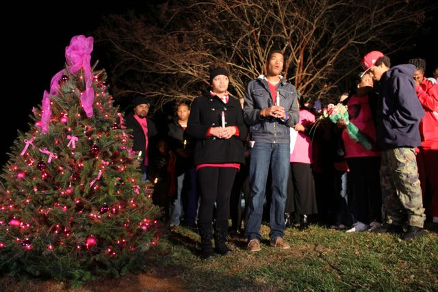 Friends & Family Light Christmas Tree For Missing Nelson Teen Alexis Murphy