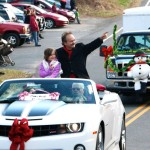 Santa & Nelson Native Jimmy Fortune Ring In Lovingston Christmas Parade