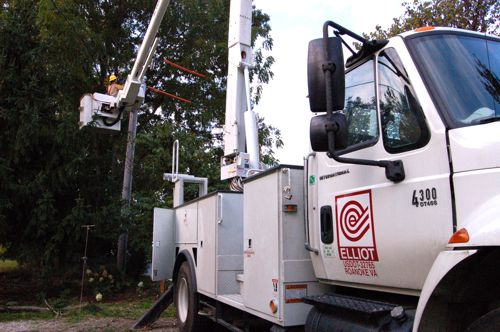 BPL Crews Continue Their Installations Out Of Martins Store Substation