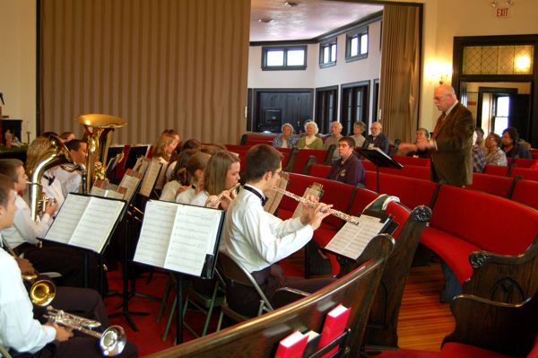 Nelson County High School Concert Band Brings Christmas Spirit To Roseland : Audio