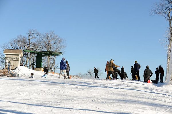 New Year's At Wintergreen Has Packed Slopes