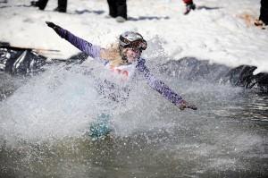2009-03-22-b01-ptp-pond-skimming-contest-fin-0395-01