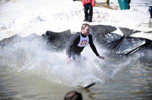 2009-03-22-b01-ptp-pond-skimming-contest-fin-0705-01