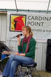 ©2008-2009 NCL Magazine : Jenn Rhubright performs at the 2008 Bandfair to benefit North Branch School.