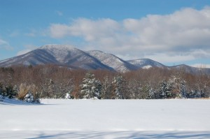 ©2009 www.nelsoncountylife.com : Photo By Tommy Stafford : Though most primary roads in Nelson are now clear, plenty of snow remains off of the roads and in the mountains.
