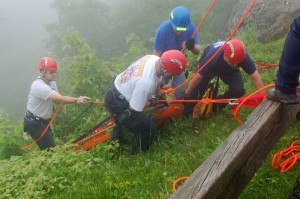 Photos By Tommy Stafford : ©2010 www.nelsoncountylife.com : Members of Wintergreen Rescue and other area squads practice bringing a victim up the side of the mountain at Rock Point Overlook along the BRP. Click any photo to enlarge.