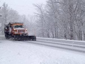 BlueRidgeLife™2013 : Photos By Tommy Stafford : A VDOT plow pushes snow off of Route 151 in Afton just north of Nellysford, VA - Sunday afternoon March 24, 2013