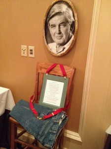 The fan club honored Waite with a compilation video and an empty chair under his photo.